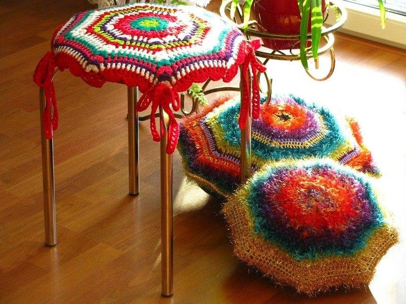 красивые вязаные подушки