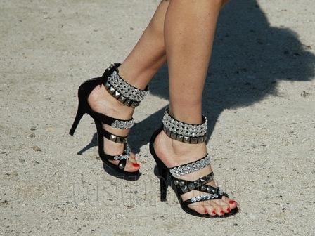 туфли с заклепками