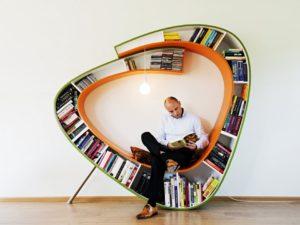 необычные полки для книг на стену