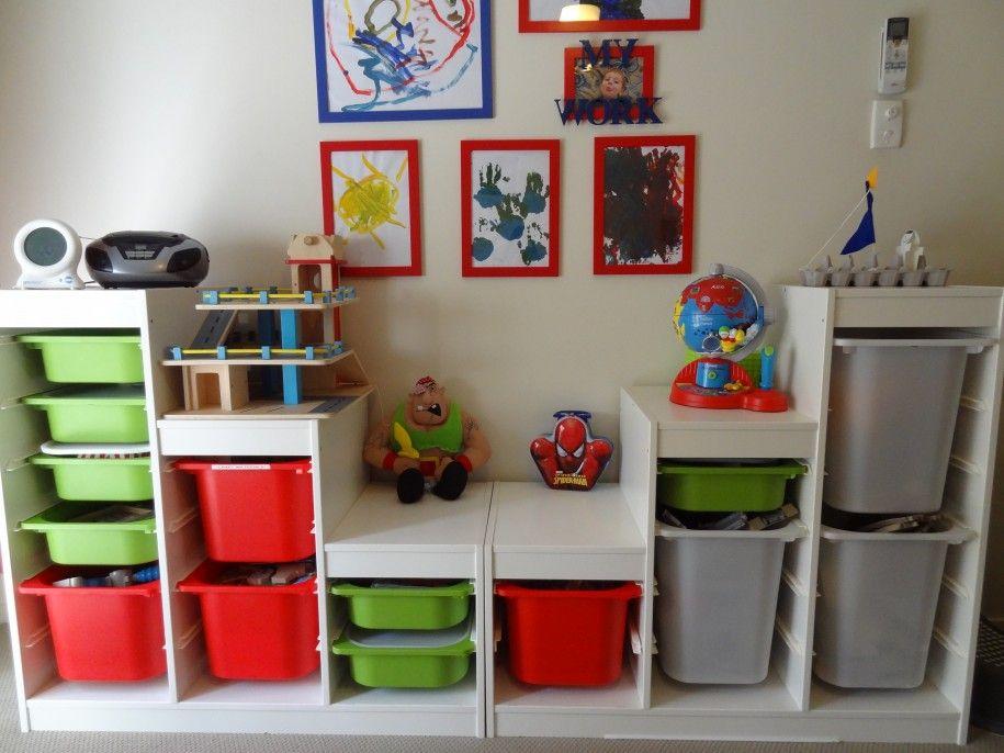 В чем хранить игрушки в детской комнате